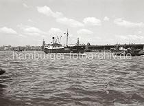historische hafenbilder aus hamburg schiffe auf der elbe kaischuppen am hamburger strandhafen. Black Bedroom Furniture Sets. Home Design Ideas